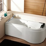 La baignoire balnéo d'angle Moana de 200l prête à l'emploi